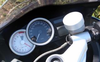 スピードメータートリム